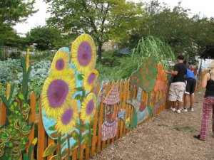 Creating Art & Culture - YAAW mural at Ten Eyck Garden
