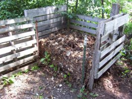 Compost bins can be made from old palettes, bricks, old trash cans and other recycled materials.